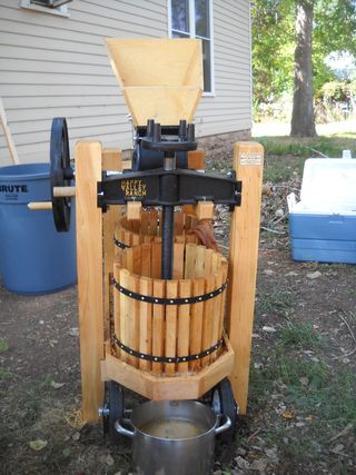 Happy Valley Ranch apple press - cider making 2012